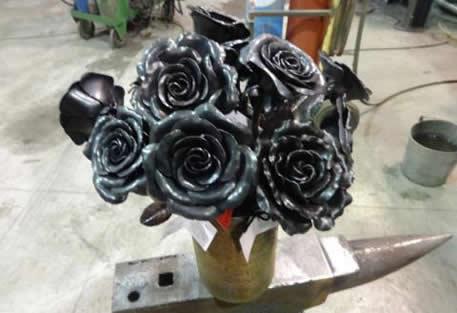 one-dozen-steel-undying-roses-v2